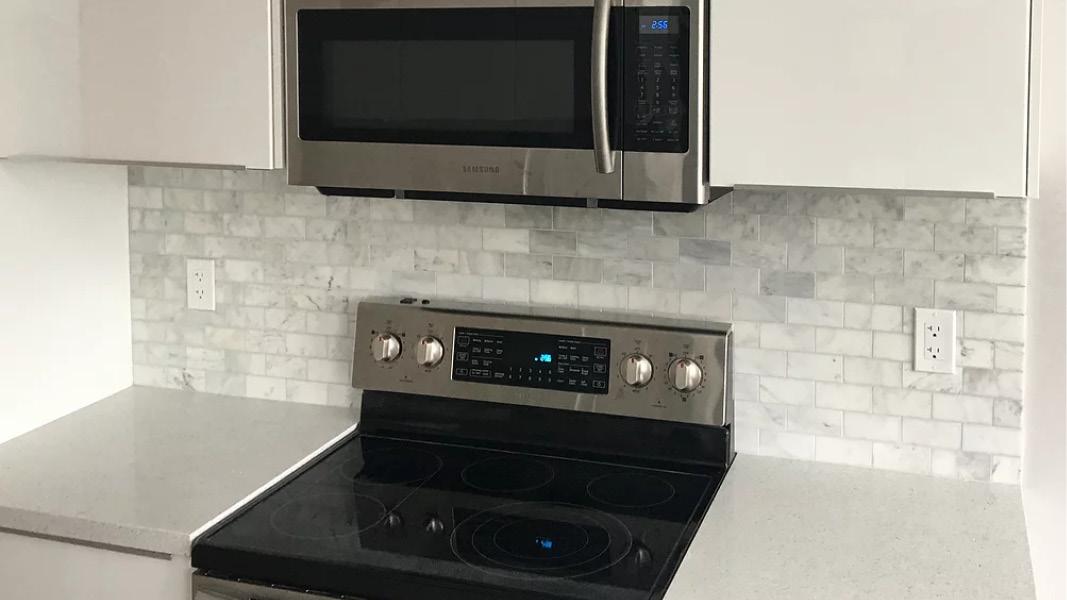 Kitchen renovation project inPort Moody - new backsplash